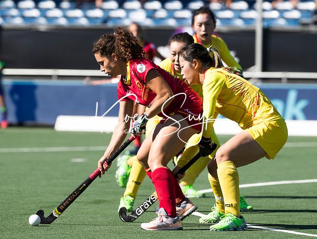 BREDA - Georgina Oliva (Esp)  met Wen Dan (Chn) tijdens Spanje-China bij de 4 Nations Trophy dames 2018 .  COPYRIGHT  KOEN SUYK