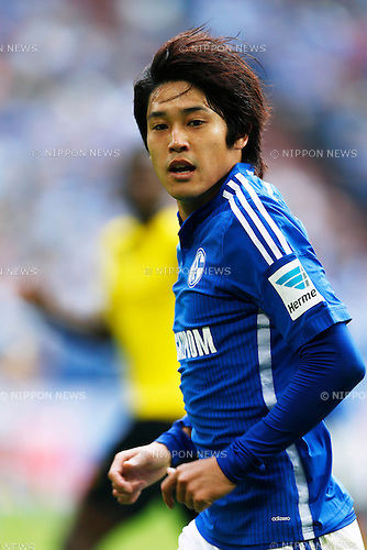 Atsuto Uchida (Schalke), SEPTEMBER 27, 2014 - Football / Soccer : Bundesliga match between FC Schalke 04 2-1 Borussia Dortmund at Veltins Arena in Gelsenkirchen, Germany. (Photo by D.Nakashima/AFLO)