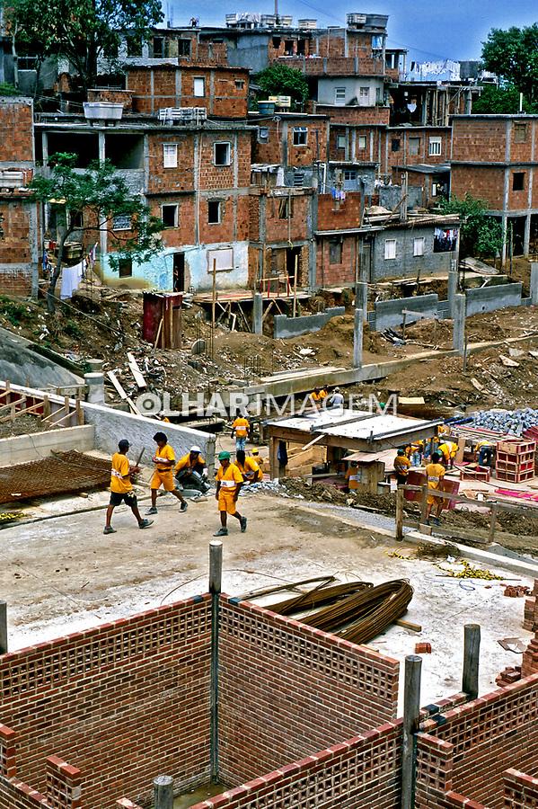 Projeto Favela Bairro no Rio de Janeiro. 2001. Foto de Ricardo Azoury.