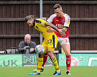 Oxford United's Ricky Holmes battles with Fleetwood Town's Gethin Jones<br /> <br /> Photographer David Shipman/CameraSport<br /> <br /> The EFL Sky Bet League One - Oxford United v Fleetwood Town - Saturday August 11th 2018 - Kassam Stadium - Oxford<br /> <br /> World Copyright &copy; 2018 CameraSport. All rights reserved. 43 Linden Ave. Countesthorpe. Leicester. England. LE8 5PG - Tel: +44 (0) 116 277 4147 - admin@camerasport.com - www.camerasport.com