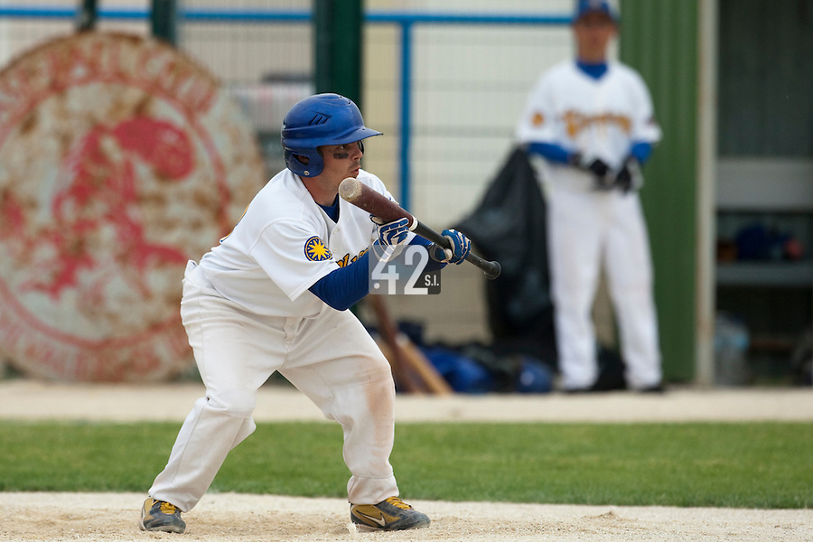 22 May 2009: Damien Teygeman of Senart prepares for a bunt during the 2009 challenge de France, a tournament with the best French baseball teams - all eight elite league clubs - to determine a spot in the European Cup next year, at Montpellier, France.