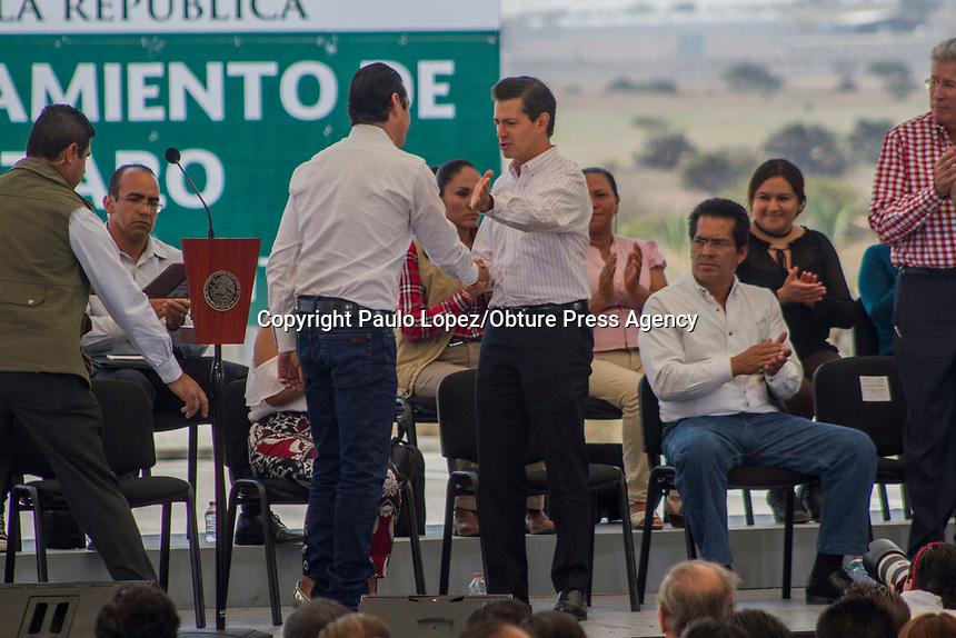 San Juan del Río.,Qro. 18 de mayo del 2017.- Con la presencia del Presidente de la Republica Enrique Peña Nieto y el Gobernador del Estado Francisco Dominguez inauguran el libramiento Palmillas- Apaseo.
