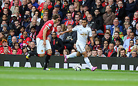 Pictured: Jefferson Montero of Swansea (R). Saturday 16 August 2014<br />