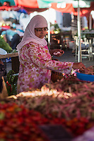 France, île de la Réunion, Saint Paul, marché hebdomadaire de Saint Paul,   //  France, Ile de la Reunion (French overseas department), weekly open market of Saint Paul,
