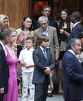 June 30, 2012 Soon-Yi, Woody Allen, Robert Kenndy Jr., Kyra Kennedy attend the Alec Baldwin and Hilaria Thomas Wedding Day at Basilica of St. Patrick's Old Cathedral in Little Italy in New York City.Credit:© RW/MediaPunch Inc. /*NORTEPHOTO.COM*<br /> *SOLO*VENTA*EN*MEXiCO* *CREDITO*OBLIGATORIO** *No*Venta*A*Terceros* *No*Sale*So*third* ***No Se*Permite*Hacer*Archivo** *No*Sale*So*third*©Imagenes con derechos de autor,©todos reservados. El uso de las imagenes está sujeta de pago a nortephoto.com El uso no autorizado de esta imagen en cualquier materia está sujeta a una pena de tasa de 2 veces a la normal. Para más información: nortephoto@gmail.com* nortephoto.com.