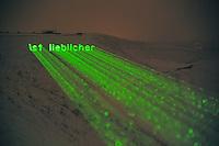 Per Laserstrahl werden am Samstag, 26.01.13, auf der Hertener Halde Hoheward biblische Texte auf den Schnee projiziert. Die Aktion BlinkenBible ist ein interaktives Multimedia-Projekt zum innovativen Umgang mit der Bibel.<br /> Foto: Rainer Raffalski / WAZ FotoPool