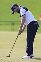 Branden Grace (RSA) on the practice green before his match during Saturday's Round 3 of the 117th U.S. Open Championship 2017 held at Erin Hills, Erin, Wisconsin, USA. 17th June 2017.<br /> Picture: Eoin Clarke | Golffile<br /> <br /> <br /> All photos usage must carry mandatory copyright credit (&copy; Golffile | Eoin Clarke)
