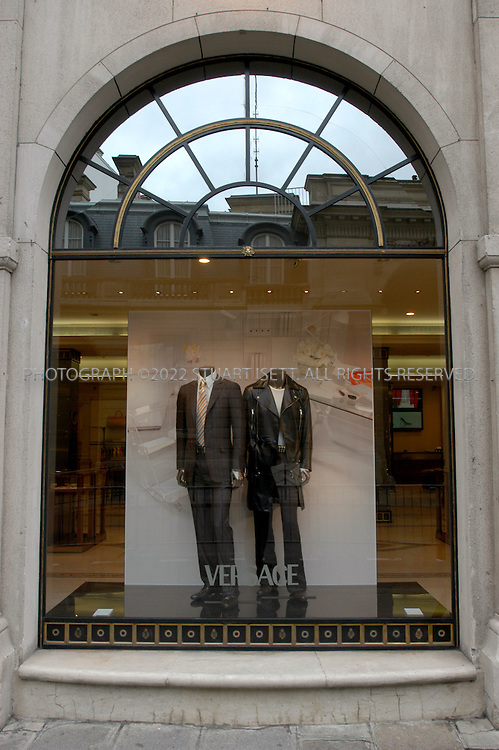 3/17/2005--Paris, France..The Versace showroom on 62 Rue Faubourg St Honore in Paris....All photographs ©2005 Stuart Isett.All rights reserved.