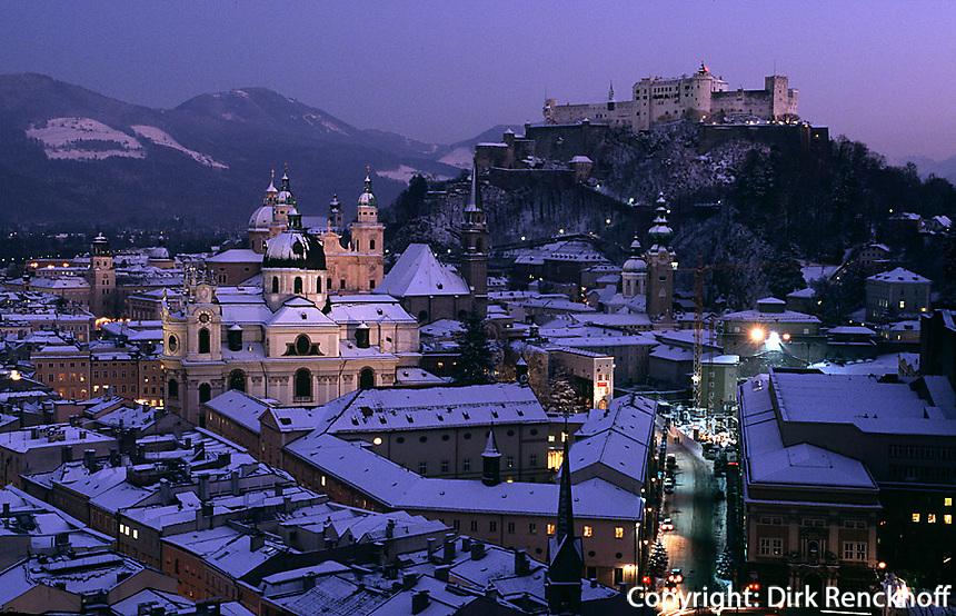 Blick vom Moenchsberg auf Festung und Altstadt, Salzburg,  Unesco-Weltkulturerbe