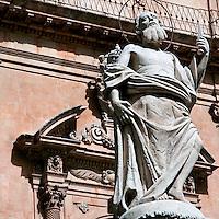 La statua di San Bartolomeo a fianco del Duomo di San Pietro a Modica..San Bartolomeo statue near at San Pietro's Dome in Modica