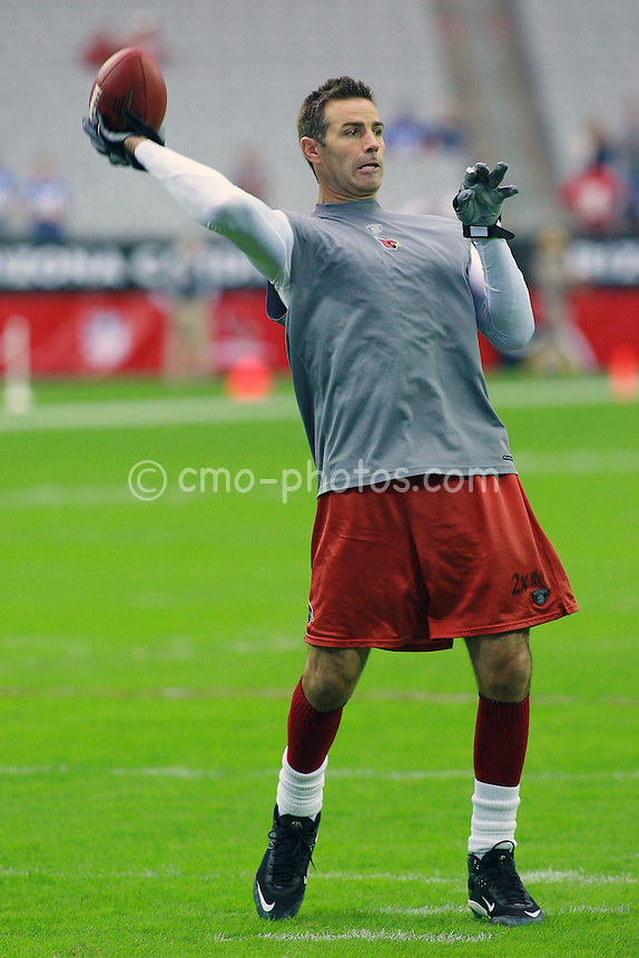 Nov 23, 2008; Glendale, AZ, USA; Arizona Cardinals quarterback Kurt Warner (13) warms up prior to a game against the New York Giants at University of Phoenix Stadium.  Mandatory Credit: Chris Morrison-US PRESSWIRE