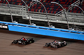 Robert Wickens, Schmidt Peterson Motorsports Honda, Josef Newgarden, Team Penske Chevrolet battle for the win