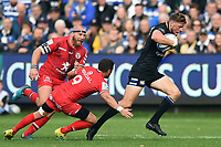 Rhys Priestland of Bath Rugby goes on the attack. Heineken Champions Cup match, between Bath Rugby and Stade Toulousain on October 13, 2018 at the Recreation Ground in Bath, England. Photo by: Patrick Khachfe / Onside Images
