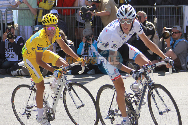 Alberto Contador & Andy Schleck turn the final corner in the penultimate stage to the Mont Ventoux in the 2009 Tour de France, 25th July 2009 (Photo by Manus OReilly/NEWSFILE)