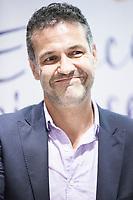 Khaled Hosseini, in dari خالد حسینی, è uno scrittore e medico statunitense. Di origine afgana, pashtun, è nato a Kabul, dove ha vissuto la sua infanzia. Dal 1980 vive negli Stati Uniti. American Writer. Milan, lunedì 14 ottobre 2013. © Leonardo Cendamo