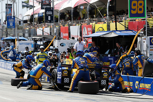 2017 Verizon IndyCar Series<br /> Toyota Grand Prix of Long Beach<br /> Streets of Long Beach, CA USA<br /> Sunday 9 April 2017<br /> Alexander Rossi, pit stop<br /> World Copyright: Michael L. Levitt<br /> LAT Images