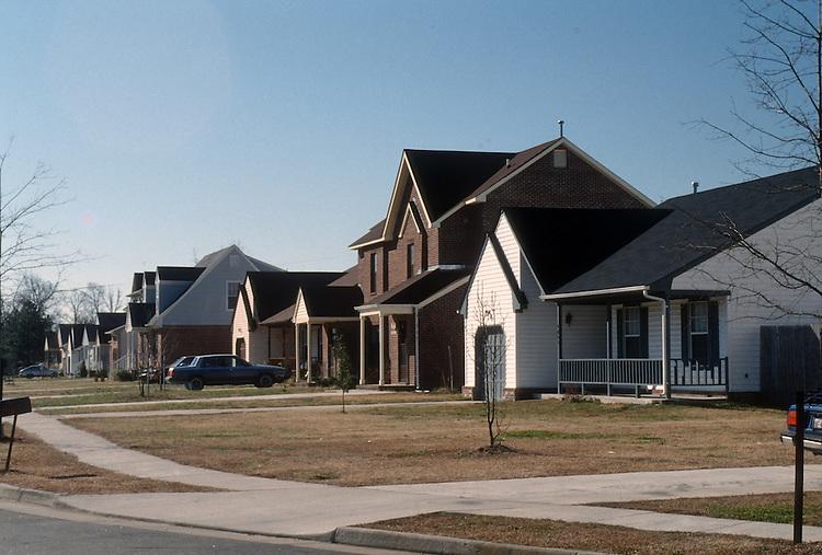 1991 February 01..Assisted Housing..N. Wellington Place..Wellington Woods...NEG#.NRHA#..HOUSING:WelOaks1  2:13