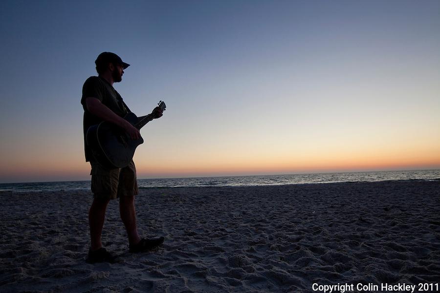CAPE SAN BLAS, FLA. 4/9/2011-CAPESANBLAS040911 CH-A sunset song on Cape San Blas, Fla. ..COLIN HACKLEY PHOTO