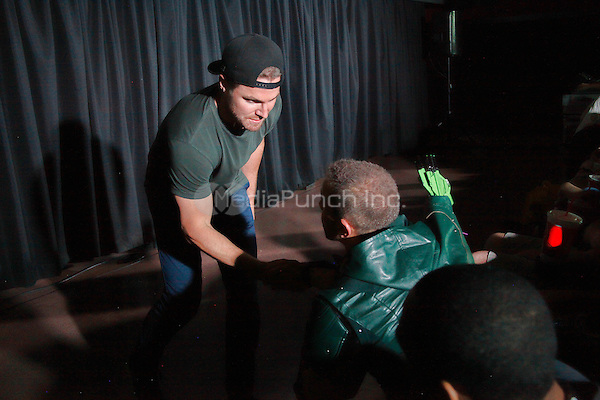 "PHILADELPHIA, PA - JUNE 2 :  ***HOUSE COVERAGE***  Special Guest Stephen Amell (The CW's ""Arrow"") picturedl walking the red carpet and introducing his new film, Teenage Mutant Ninja Turtles at UA Riverview in Philadelphia, Pa on June 2, 2016  photo credit Star Shooter / MediaPunch"
