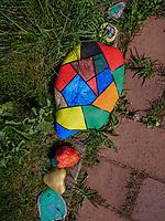 bunt bemalte Kieselsteine auf dem Oberland, Insel Helgoland, Schleswig-Holstein, Deutschland, Europa<br /> colourfully painted pebbles, Oberland, Helgoland island, district Pinneberg, Schleswig-Holstein, Germany, Europe