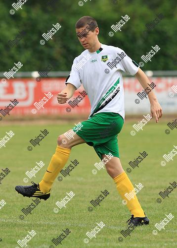 2010-06-21 / Voetbal / seizoen 2010-2011 / Schoten SK / Mathias Broeckaert..Foto: mpics