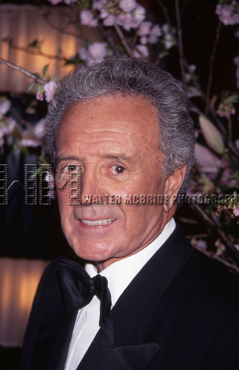 Vic Damone attends a performance on April 18, 1996 at the Rainbow & Stars in New York City.