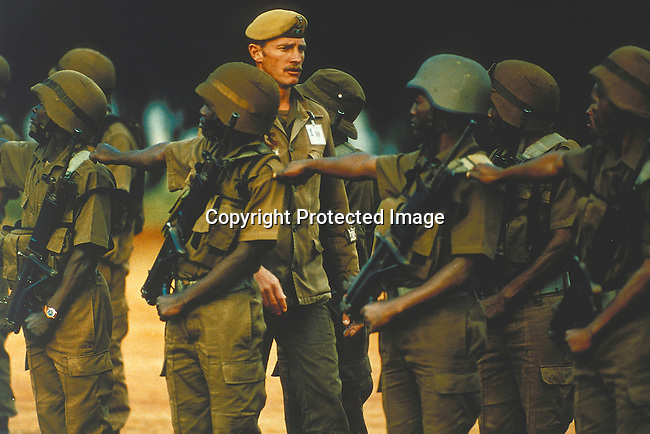 PSMILIT27019.Defence Force. former MK soldiers doing basic training in Vaalmanstal outiside Pretoria. 1996. Mix race.©Per-Anders Petterson / iAfrika Photos