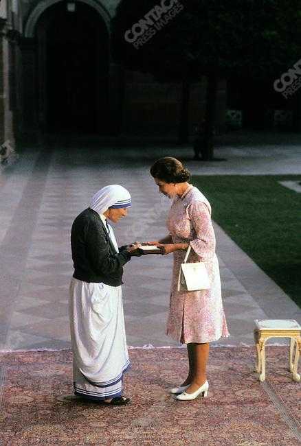 Queen Elizabeth II presents Mother Teresa with the Order of Merit, New Delhi, India, November 18, 1983