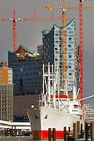 Elbphilharmonie Hamburg mit Cap San Diego: EUROPA, DEUTSCHLAND, HAMBURG, (EUROPE, GERMANY), 14.03.2013: Elbphilharmonie Hamburg mit Cap San Diego
