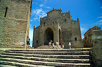 Erice, Sicily, Italy, May 2007. The ancient city if Erice is perched high on a mountain. The rugged nature of sicily harbours beautiful villages and ruins of ancient civilizations. Photo by Frits Meyst/Adventure4ever.com