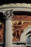 Europe/Autriche/Niederösterreich/Vienne: Détail façade du théatre Ronacher
