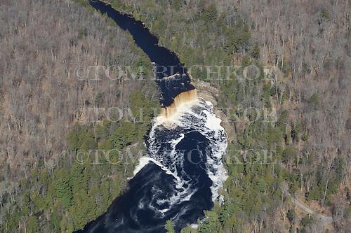 Upper Tahquemenon Falls, Upper Peninsula of Michigan.
