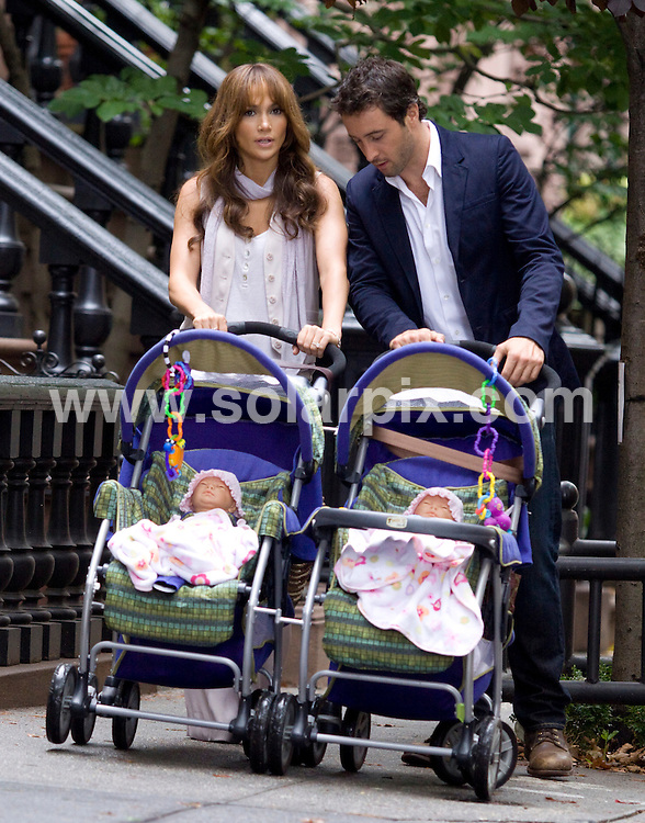 "**ALL ROUND PICTURES FROM SOLARPIX.COM**.**SYNDICATION RIGHTS FOR UK, AUSTRALIA, DENMARK, PORTUGAL, S. AFRICA, SPAIN & DUBAI (U.A.E) ONLY**.Jennifer Lopez and Alex O'Loughlin filming ""The Backup Plan"" on location in Greenwich Village, New York, USA. 21 July 2009..This pic: Jennifer Lopez and Alex O'Loughlin..JOB REF: 9554 PHZ (Mayer)   DATE: 21_07_2009.**MUST CREDIT SOLARPIX.COM OR DOUBLE FEE WILL BE CHARGED**.**ONLINE USAGE FEE GBP 50.00 PER PICTURE - NOTIFICATION OF USAGE TO PHOTO @ SOLARPIX.COM**.**CALL SOLARPIX : +34 952 811 768 or LOW RATE FROM UK 0844 617 7637**"
