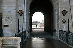 20060213 - France - Vincennes<br />ENTREE DU CHATEAU DE VINCENNES, COTE AVENUE DE PARIS<br />Ref: CHATEAU_DE_VINCENNES_021 - © Philippe Noisette