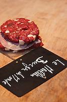 Europe/France/Ile de France/92/Hauts-de-Seine/ Asnières: Yves-Marie Le Bourdonnec - Boucherie: Le Couteau d'Argent - Pour ses hamburger, le New-York Times lui a décerné le titre de meilleur Hamburger du Monde