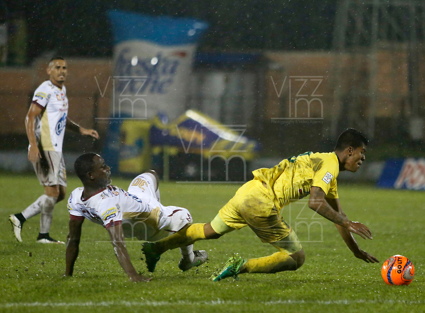 Floridablanca -Colombia,7-05-2017.Action game between  Atletico Bucaramanga  and Deportes Tolima during match for the date 16 of the Aguila League I 2017 played at Alvaro Gomez stadium . Photo:VizzorImage / Duncan Bustamante  / Contribuidor