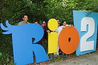 RIO DE JANEIRO, RJ, 17.03.2014 - Rodrigo Santoro, o diretor do filme Carlos Saldanha, Sergio Mendes e Carlinhos Brown participam nesta segunda-feira na coletiva de imprensa que apresenta o lançamento do filme de animação Rio 2, no Parque Lage, zona sul da cidade. (Foto. Néstor J. Beremblum / Brazil Photo Press)