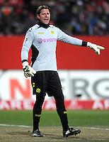 FUSSBALL   1. BUNDESLIGA  SAISON 2011/2012   20. Spieltag 1. FC Nuernberg - Borussia Dortmund         03.02.2012 Torwart Roman Weidenfeller (Borussia Dortmund)