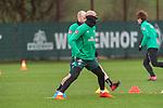 11.02.2020, Trainingsgelaende am wohninvest WESERSTADION,, Bremen, GER, 1.FBL, Werder Bremen Training, im Bild<br /> <br /> Ömer / Oemer Toprak (Werder Bremen #21)<br /> Davy Klaassen (Werder Bremen #30)<br /> <br /> Foto © nordphoto / Kokenge