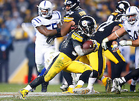 DeAngelo Williams #34 of the Pittsburgh Steelers carries the ball in the second half against the Indianapolis Colts during the game at Heinz Field on December 6, 2015 in Pittsburgh, Pennsylvania. (Photo by Jared Wickerham/DKPittsburghSports)