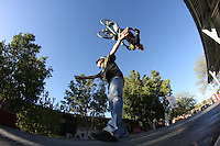 Salto en  bico, deporte extremo.<br /> BIMEX, BMX