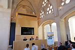 Presentacio: La Sagrada Familia compte enrera.<br /> Vicent Sanchis, Eduard Sanjuan &amp; Roser Oliver.