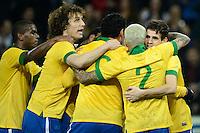 GENEBRA, SUICA, 21 DE MARCO DE 2013 - Jogadores comemoram da Selacao brasileira durante partida amistosa contra a Itália, disputada em Genebra, na Suíça, nesta quinta-feira, 21. O jogo terminou 2 a 2. FOTO: PIXATHLON / BRAZIL PHOTO PRESS