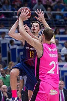 Estudiantes Alex Brown and FC Barcelona Lassa Thomas Heurtel during Liga Endesa match between Estudiantes and FC Barcelona Lassa at Wizink Center in Madrid, Spain. October 22, 2017. (ALTERPHOTOS/Borja B.Hojas) /NortePhoto.com