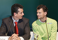 18-2-06, Netherlands, tennis, Rotterdam, ABNAMROWTT, Draw, Sjeng Schalken and Tournament director Richard Krajicek in discussion during the draw