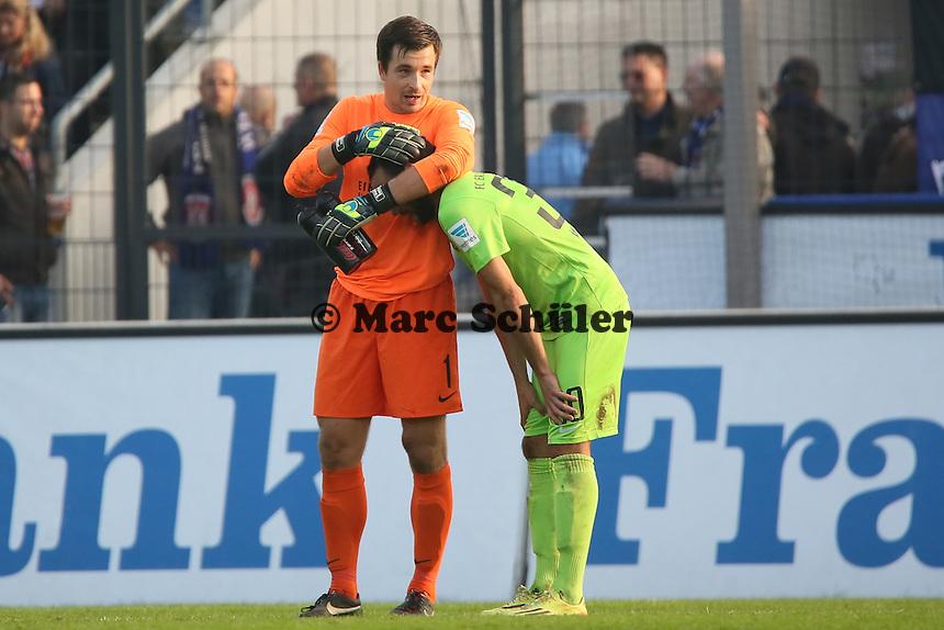Martin Männel und Fabian Müller (Aue) nach dem 1:1 - FSV Frankfurt vs. FC Erzgebirge Aue, Frankfurter Volksbank Stadion