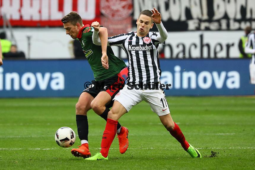 Mijat Gacinovic (Eintracht Frankfurt) gegen Janik Haberer (SC Freiburg) - 05.03.2017: Eintracht Frankfurt vs. SC Freiburg, Commerzbank Arena