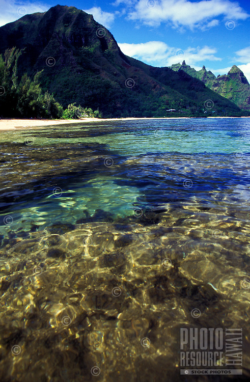 Tunnels Beach on the north shore of Kauai, famed for its excellent snorkeling.