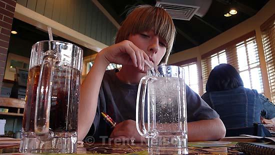 noah nelson at chili's ; 9.10.2007