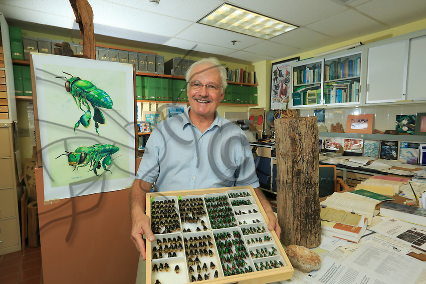Portrait of David Roubik, biologist specializing in the stingless bee, the Africanized bee and pollination at the Smithsonian Tropical Research Institute. <br /> Portrait de David Roubik, biologiste sp&eacute;cialis&eacute; sur les abeilles sans dard, les abeilles africanis&eacute;es et la pollinisation pour le Smithsonian Tropical Research Institute.